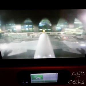 pas vu depuis le tunnel qui menait à l'avion, c'est pas grave ! on voit l'A380 grâce à la caméra qu'il a sur le dessus