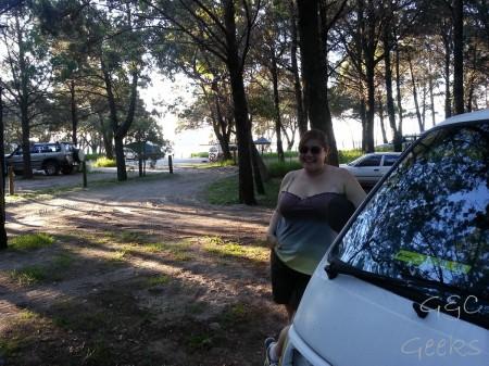 Sous les arbres avec les pioupious partout, des dindons, et la plage au bout ... bienvenue à Inskip Point, au camp Sarawak !