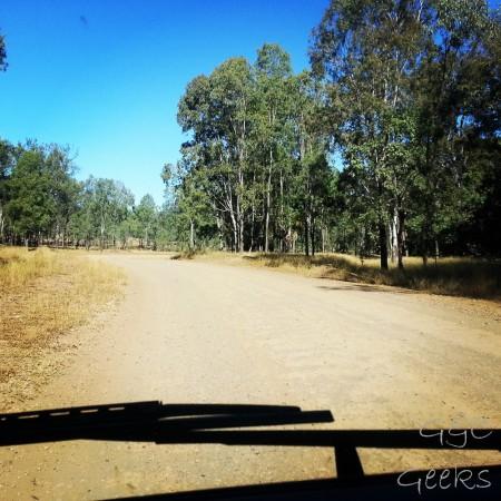 3-gloups de l'unsealed road